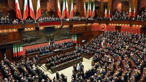 Political turmoil in Italy spreads to global financial markets