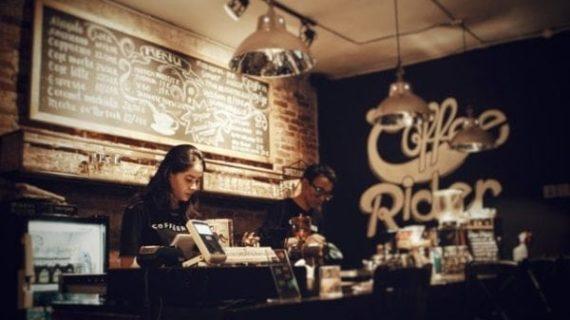Raising B.C.'s minimum wage won't help working poor