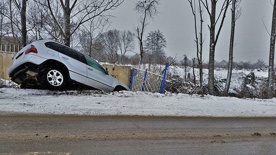 Ontarians pay too much for auto insurance