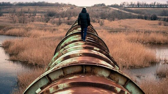 The dangers of shutting down North American pipelines