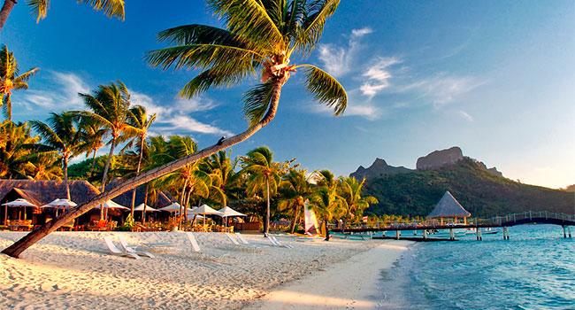 Luxury Four Seasons getaway in French Polynesia
